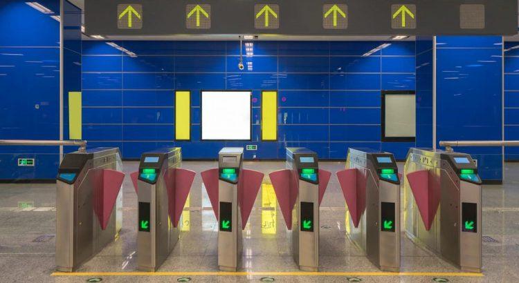 Exemplo de um portão de aeroporto, uma analogia para o que é um gateway de frete